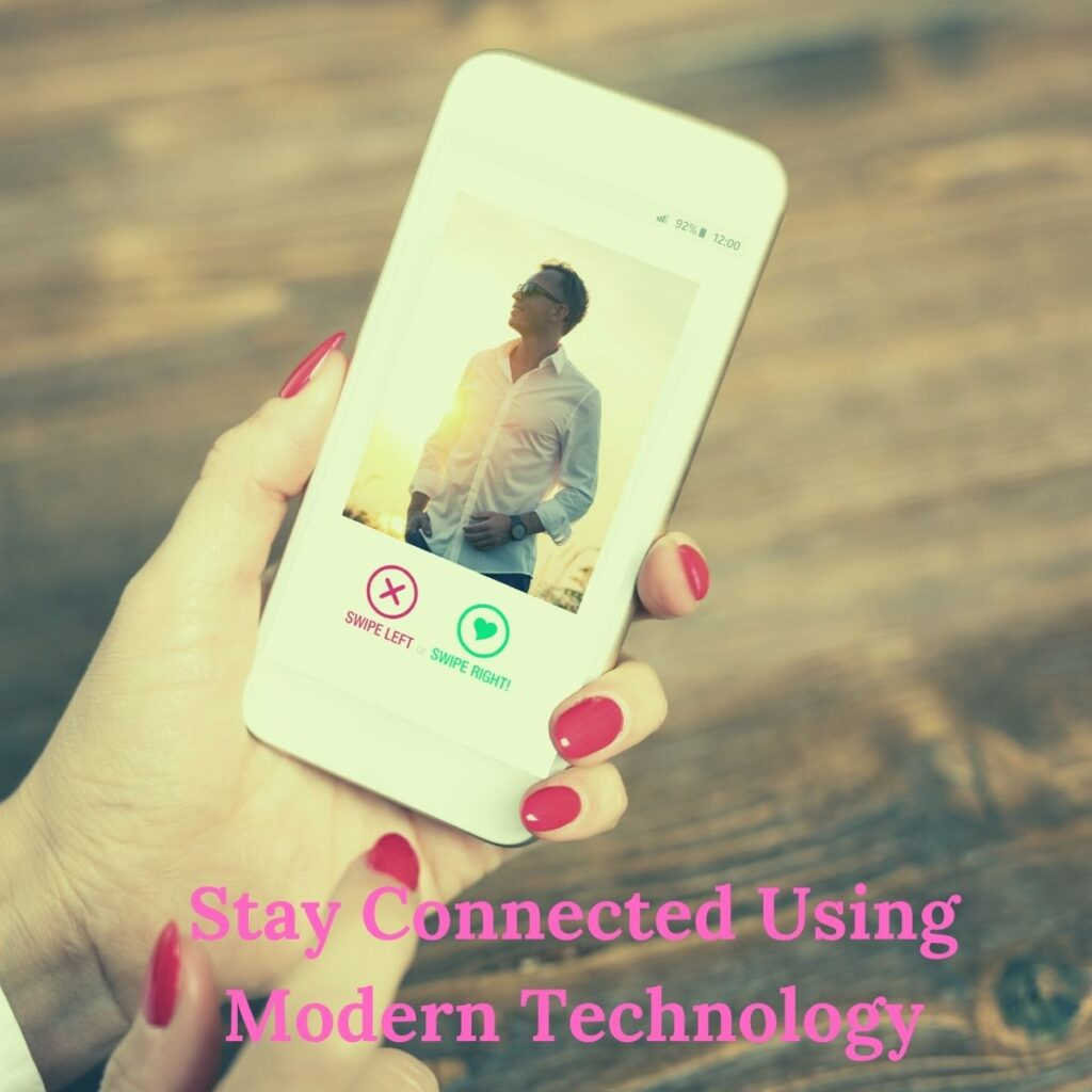 How to make long distance relationship work: stay connected using modern technology
